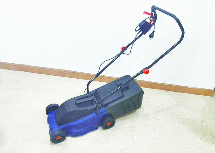 Powerful Electric Lawn Mower / Portable Zero Turn Riding Lawn Mowers