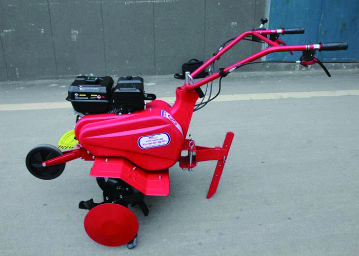 Pull Behind Gas Powered Tiller / Farm Gasoline Power Tiller With Rotary Plough